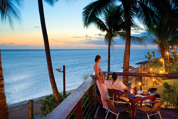 Sundowner Bar & Grill - Outrigger Fiji Beach Resort