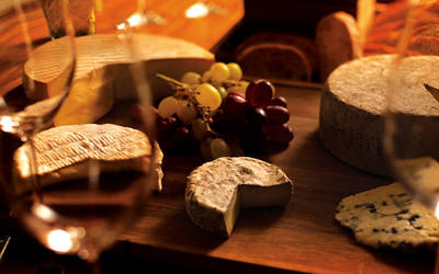 Island-Sparkling-Wine-and-Local-Cheese-Board_special_offers_grid_view_detailed