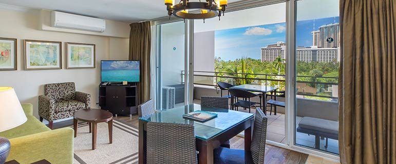 Living area - Regency on Beachwalk Waikiki by Outrigger