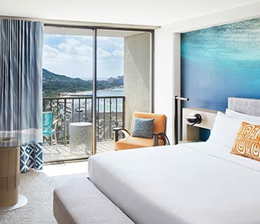 Guest room | Waikiki Beachcomber by Outrigger