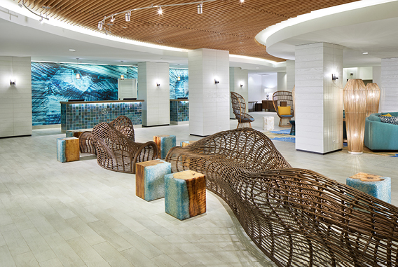 Lobby and reception | Waikiki Beachcomber by Outrigger