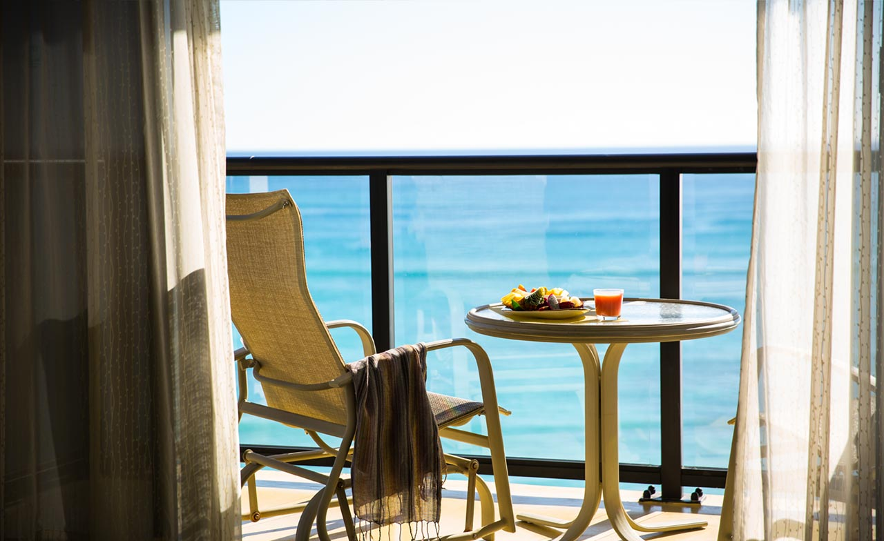 1 Bedroom Diamond Head Oceanfront Suite balcony - Outrigger Waikiki Beach Resort