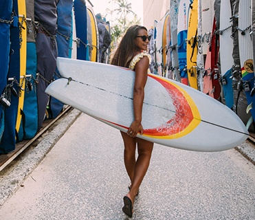 surf-alley-girl