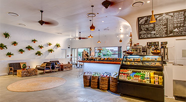 Aroma Cafe - Waikiki Beachcomber by Outrigger