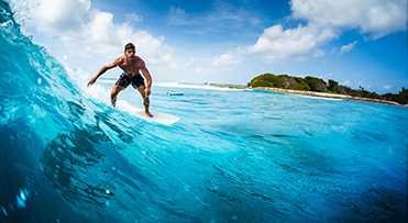 surfing-maldives