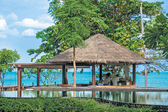 Wetbar | Outrigger Koh Samui Beach Resort